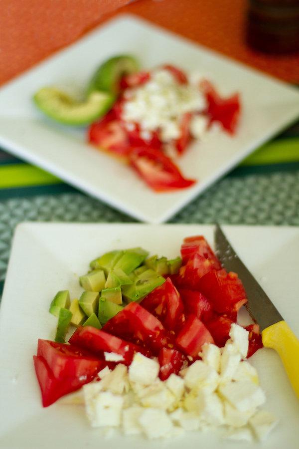 Salade  Grecque Feta Avocat Tomate Huile