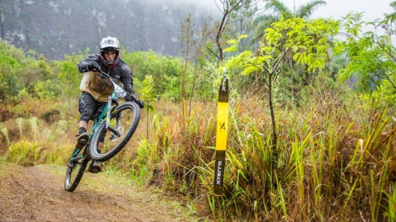 No Enduro foi normal ver algum atleta empenando a bike