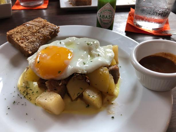 Breakfast at Tantalo, Panama City