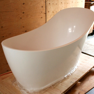 The Onyx project slipper tub has arrived