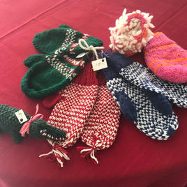 Children's mittens. Wool/acrylic blend.