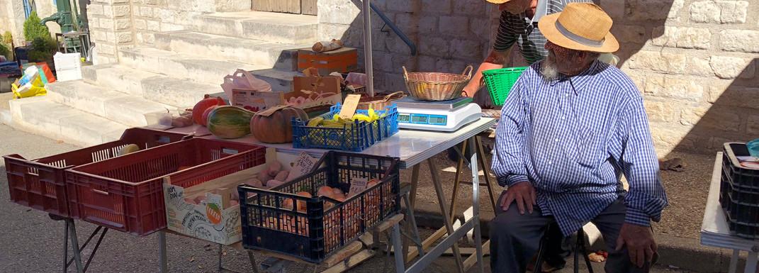 Le marché de Montcuq le dimanche matin