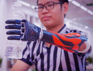 Vulcan prosthetic arm in use