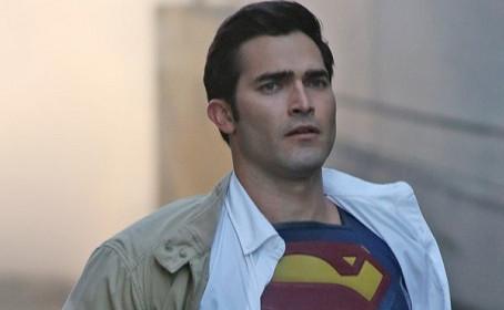 Tyler Hoechlin révèle le désagrément d'incarner Superman