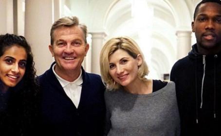 Jodie Whittaker vous présente les trois comparses du treizième Docteur Who
