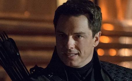 John Barrowman promu dans trois séries de The CW