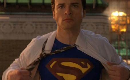 Tom Welling justifie l'absence du costume de Superman dans Smallville