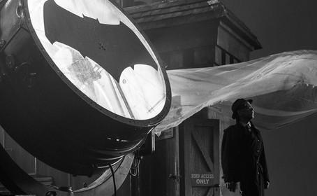Le Batsignal et le Commissaire Gordon du film Justice League