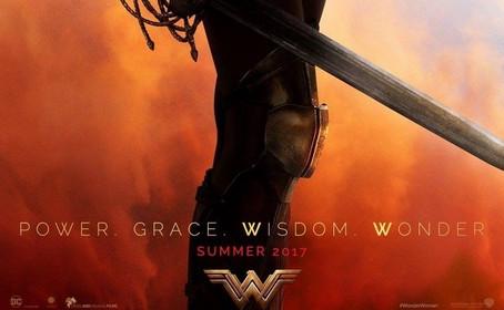 L'affiche Wonder Woman en attendant le panel (SDCC 2016)