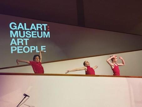 תלמידי מגמת מחול מופיעים במוזיאון תל אביב
