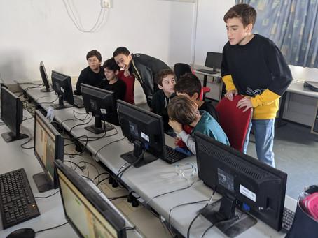 תלמידי חגיגה מלמדים תכנות בגבריאלי