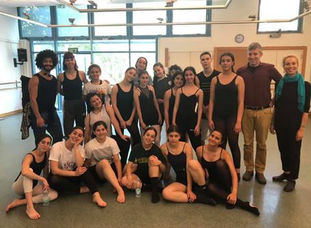 נוער ערבי ויהודי רוקדים ולומדים יחד