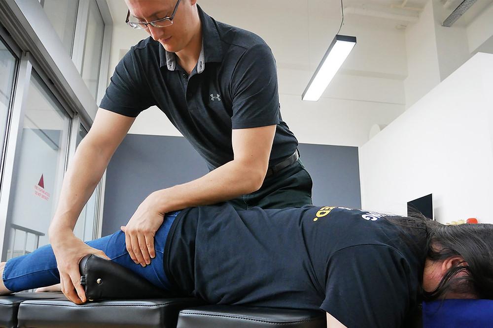 Dr Jason, Chiropractic Tanjong Pagar, in clinic Adjustment