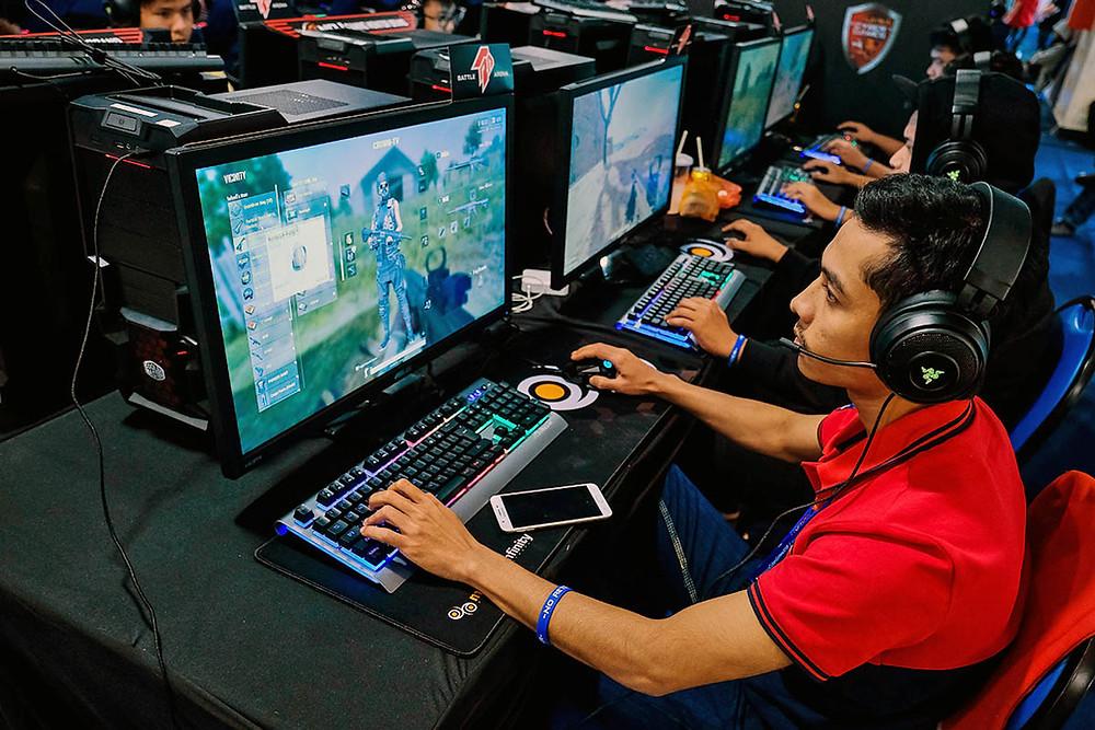 gamer sitting down forearm strain