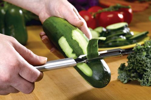 """Rada® 2"""" Deluxe Vegetable Peeler, 1 Ct"""