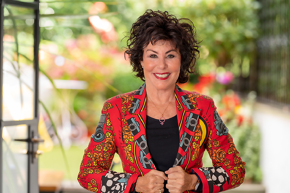 Ruby Wax.png