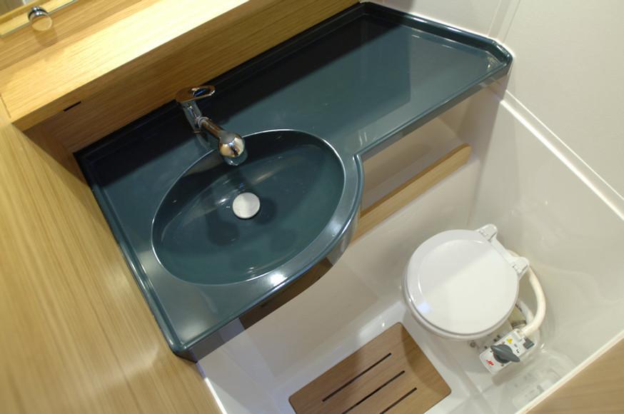 Salle de bain visiteurs - Catamaran C-Cat 37 Sea Spell en location à Hyères