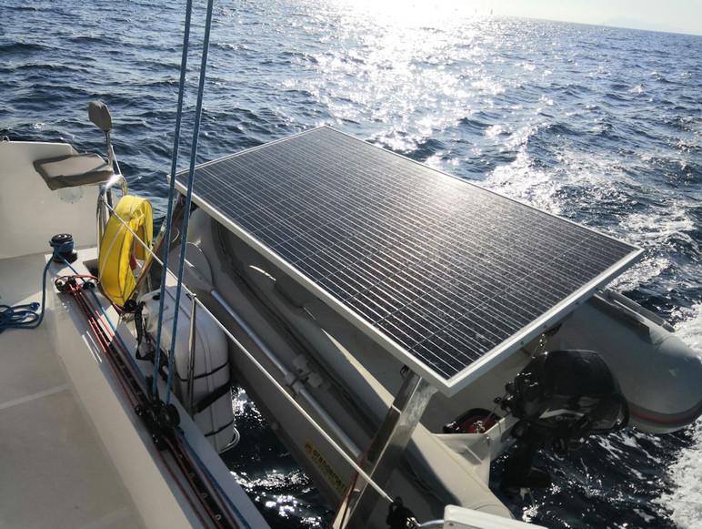 Panneau solaire - Catamaran C-Cat 37 Sea Spell en location à Hyères