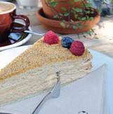 Cafe-Fuchs-Curtis-Berlin-Kuchen.jpg