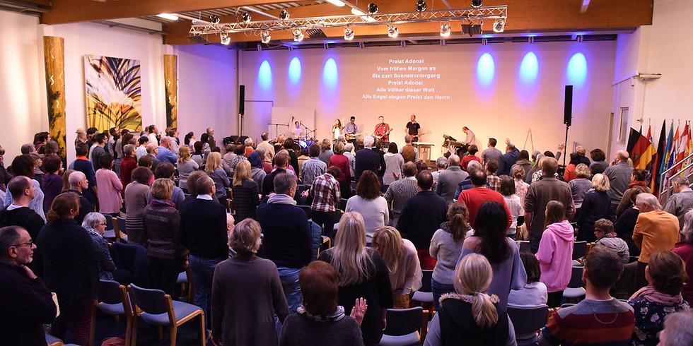 Gottesdienst und parallel dazu Kindergottesdienst