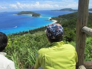 座間味島から眺める海