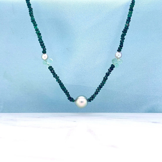 Shaded Emerald & Pearl Necklace