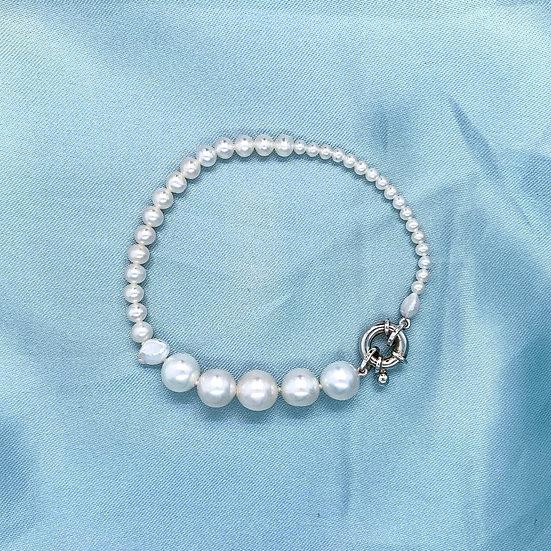 Freshweater Pearl Bracelet