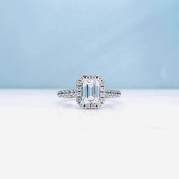 custom-engagement-rings-newcastle-emeral