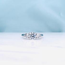 Round Brilliant Cut Diamond Trilogy Ring