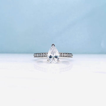 custom-engagement-rings-newcastle-pear-c
