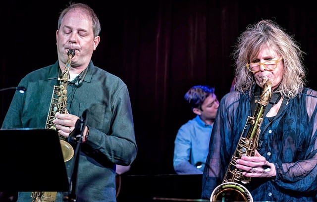 Mary performing with Eric Rasmussen on Saxophone and Will Goble on Bass at the Nash