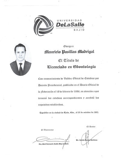 Titulo Dr Pasillas frente.jpg
