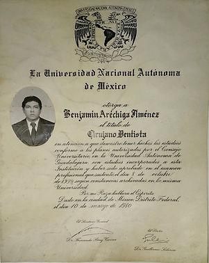 diploma dr Arechiga.jpg