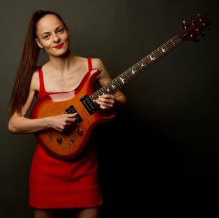 Eva Kourtes is a PRS endorsed artist