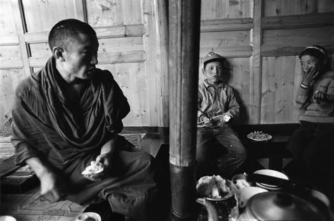 Monks' quarters, Gansu