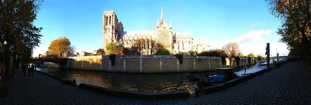 Notre Dame from the walk next to the Seine river