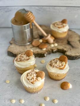 Dulce De Leche Vanilla Cup Cakes-3.jpg