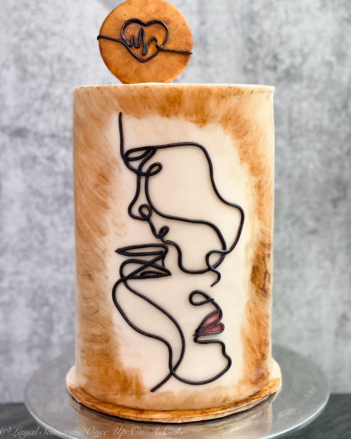 One line drawing cake