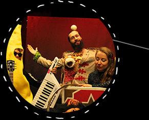 performances_urbotek musta.jpg