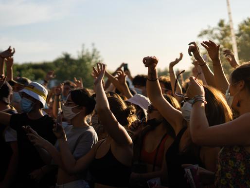 """Des festivals d'été en format """" assis """" ?"""