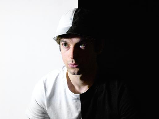 """Bolivard, un artiste qualifié de """"bipolaire"""" par Trax Magazine"""