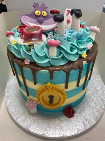 8inch Disney Alice in wounderland cake.