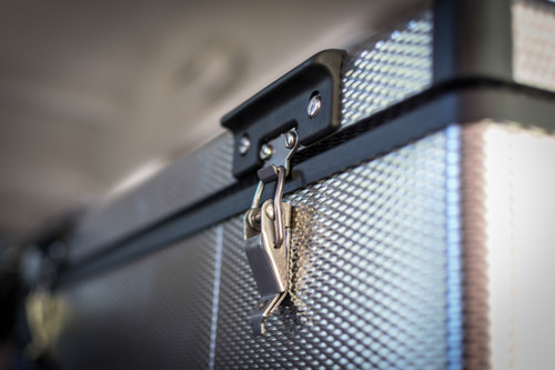 Make sure your fridge's latches are always closed. This will save battery power by preventing cold air leakage.