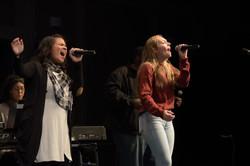 2 Ladies singing