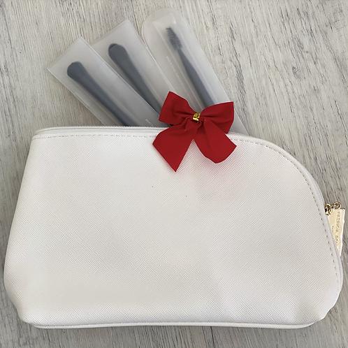 Bag 'n' Brush Set