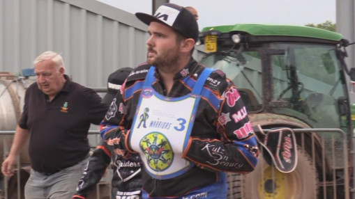 Lee Smart In The Pits : Image Taking From The Official DVD By Ken Burnett T2TV Media