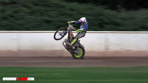 Danyon Hume Wheelie : Image By Speedway Portal
