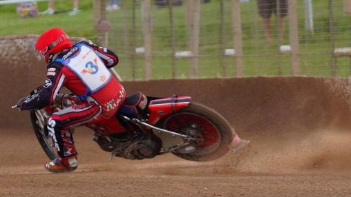Mark Baseby Wheel Hop Into Turn 1 Heat 5 : Image By Ian Groves