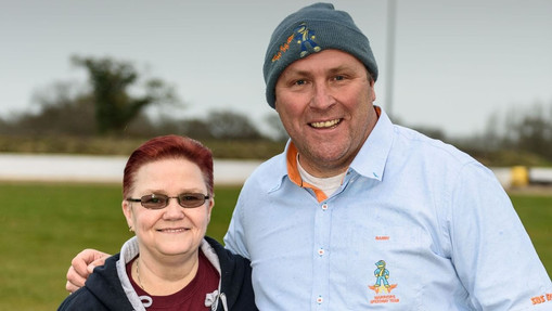 Warriors Team Managers Tess And Barry : Image By Mike Thomas