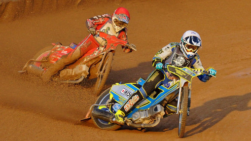 Rob Branford Leads Mark Baseby Heat 1 : Image By Ian Groves